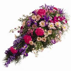 99d817a48d04f7 Sprays   Sheaves Flowers London - Funeral Flowers Specialist